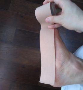 踵から親指まで長さを図る